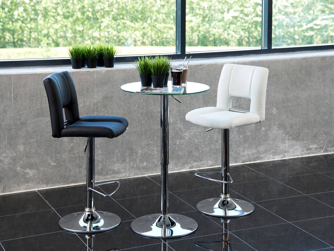 Udlejning / leje af cafébord / ståbord med bordplade i glas.