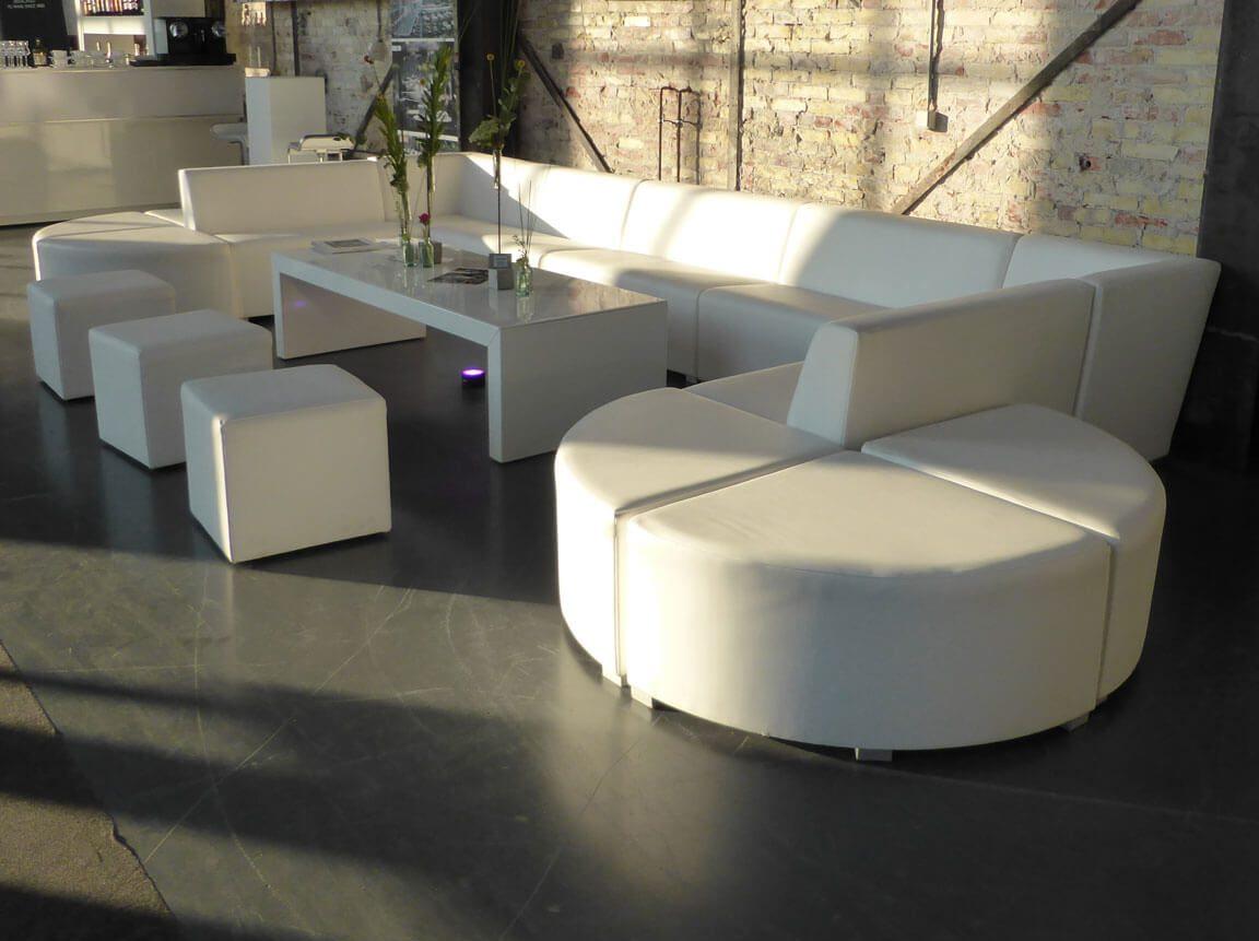 Udlejning / leje af loungemøbler. Sammensæt din egen lounge med modulopbyggede loungemøbler fra Event Specialisten.
