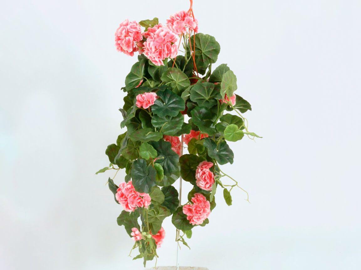 Udlejning / leje af kunstige blomster. Super flot hænge Geranium. Lejepris pr. dag kr. 40,-