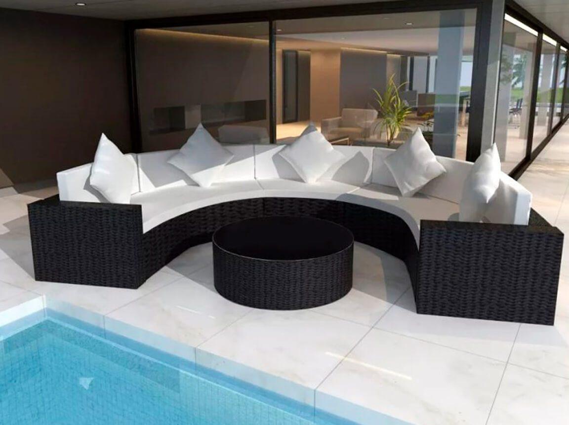 Udlejning / leje af sort lounge havesofasæt. Samlet sæt med sofa, puf/bord og hynder. Lejepris pr. dag kr. 2.750,-