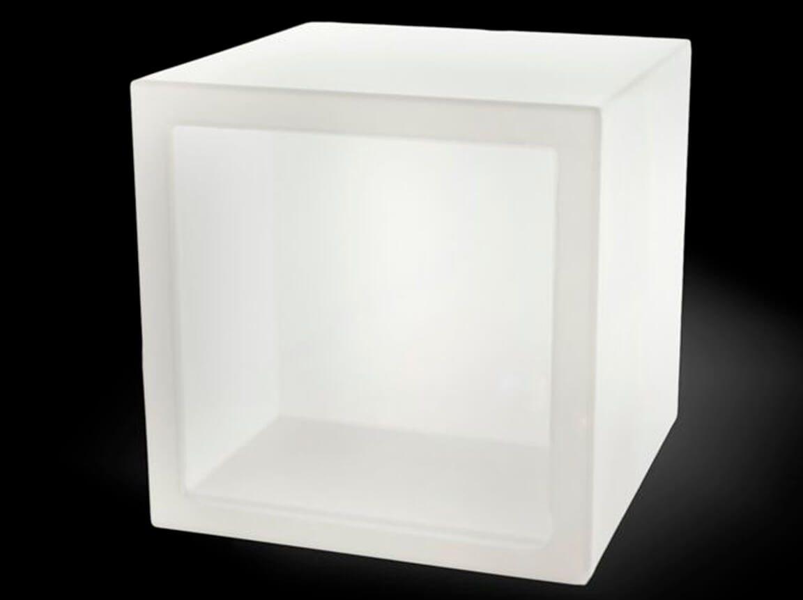 Udlejning / leje af Light Cube Open. Flot kube med indbygget lys. Perfekt til produktpræsentation. Lejepris pr. dag. kr. 350,-