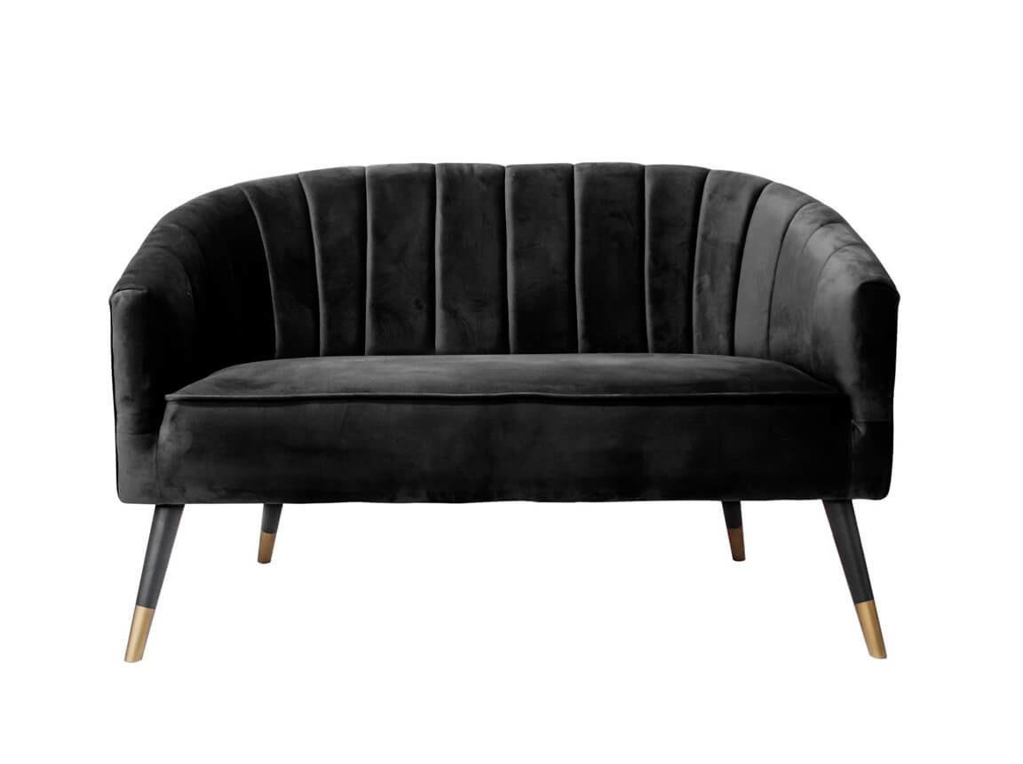 Udlejning / leje af sofa i sort velour. Elegant 2-personers loungesofa udlejes. Lejepris pr. dag kr. 1.495,-